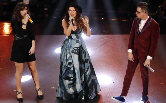 Cristina D'Avena con Federica Carta e Shade - 'Senza farlo apposta'