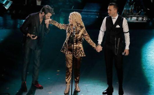 Giovanni Caccamo con Patty Bravo con Briga - 'Un po' come la vita'