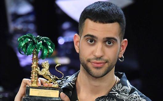 Il premio a Mahmood