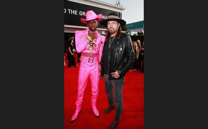 lil nas x in versace e billy ray cyrus